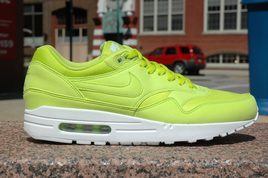 """the best attitude 37ba0 a5a2a It is one of three AM 90 colorways from the """"Highlighter Pack"""" which was"""